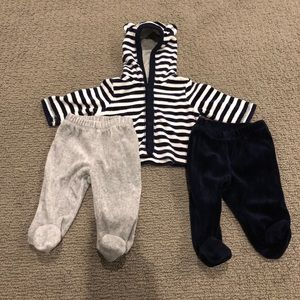 GAP Velour Footie and Top Outfit 0-3mo